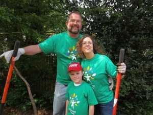 Comcast Cares Day volunteers