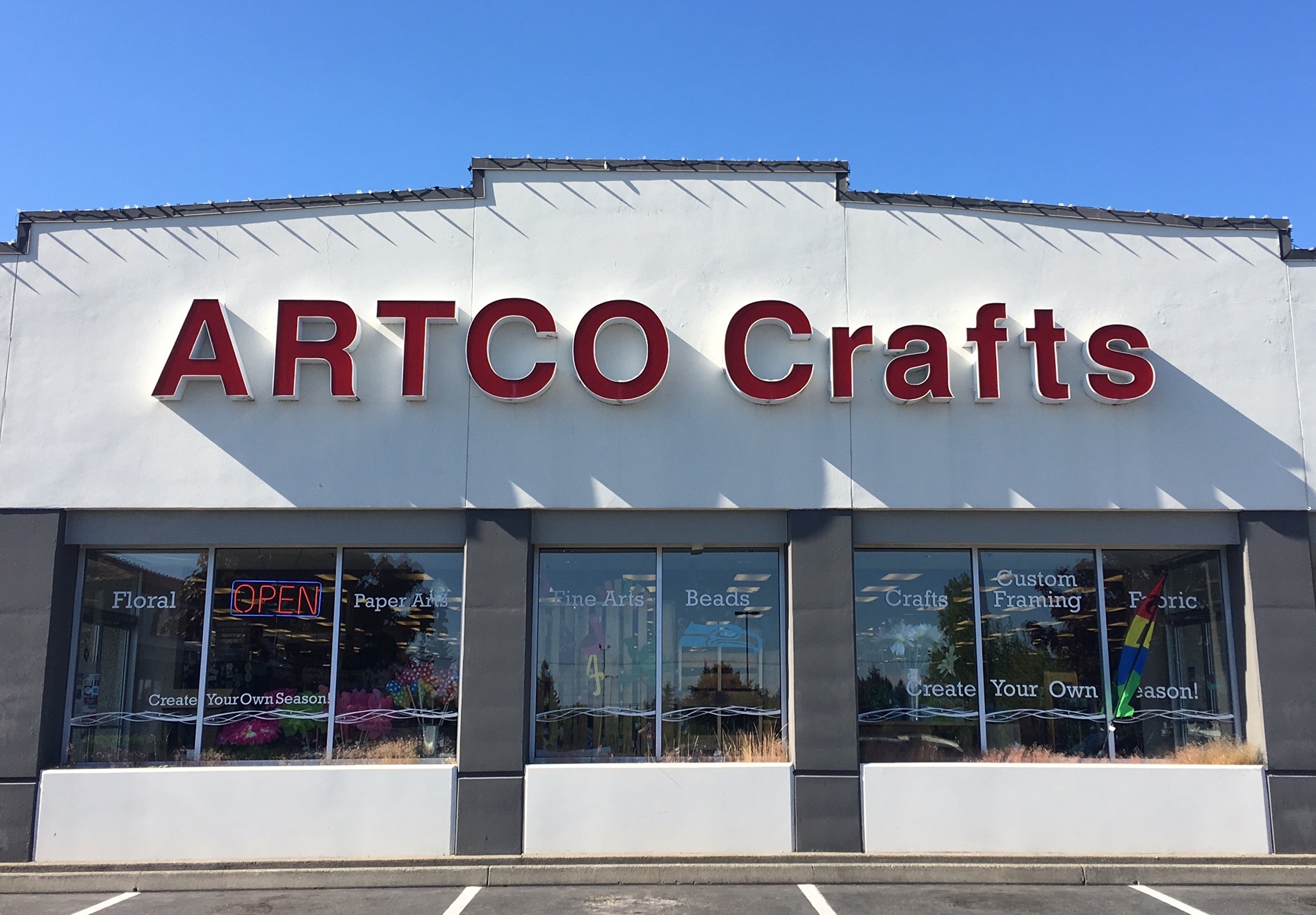 Artco Crafts and Frames Keeps Local Hobbyists Happy - SouthSoundTalk