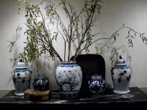 Weatherly Inn Antique Vases