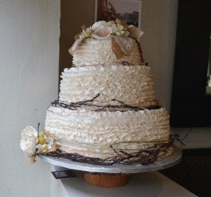 Corina bakery model nature wedding cake