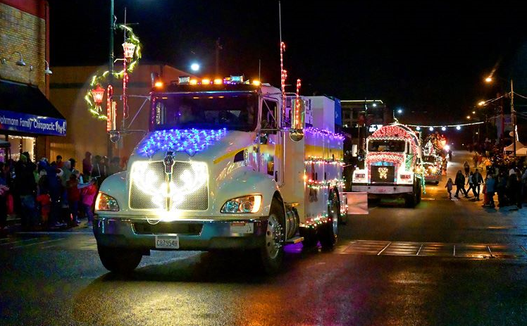 Festival of Lights parade Montesano
