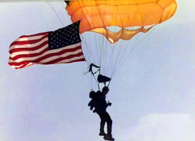 Hili Parachuting