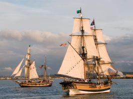 Lady Washington and Hawaiian Chieftain at sea
